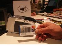 Contactloos betalen met Maestro-kaart