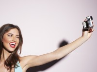 Creditcardmaatschappij MasterCard laat klanten betalen met selfie